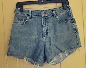15 DOLLAR FLASHVintage Lee HighWaisted Denim Shorts