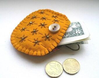 Pumpkin Gift purse, handmade felt purse, gift purse, small purse, yellow felt pouch, handmade embroidery, Felt coin pouch, halloween