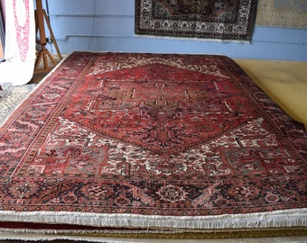 Antique Heriz Hand knotted rug 10'2 x 12'8