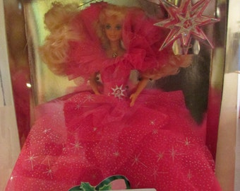 Holiday Barbie--1990, Collectible Barbies, vintage toys, dolls, Happy Holiday Barbies, Christmas Barbies, NRFB dolls, Mattel collectibles