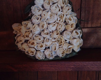 Rosecovered heart box