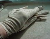 Vintage Antique Embroidered Beige or Bone colored Gloves size 7 to 7 1/2