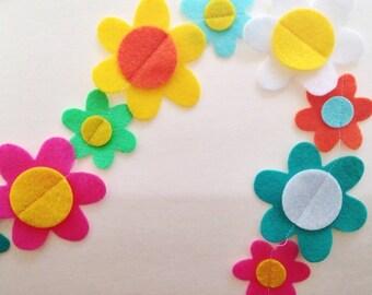 Mod Daisies Felt Garland | Spring Flowers| Groovy | Party Decor | Hippie | Custom Colors