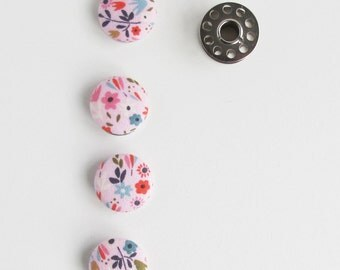 Fabric Covered Buttons 3/4 Inch | 4 Buttons Covered in a Small Scale Floral Print Fabric