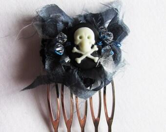 Skull, sparkle & silk haircomb