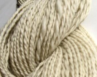 Handspun White Alpaca Yarn, HomeSpun Worsted Weight Yarn for Knitting, Crochet, Weaving, Felting, 192 yards