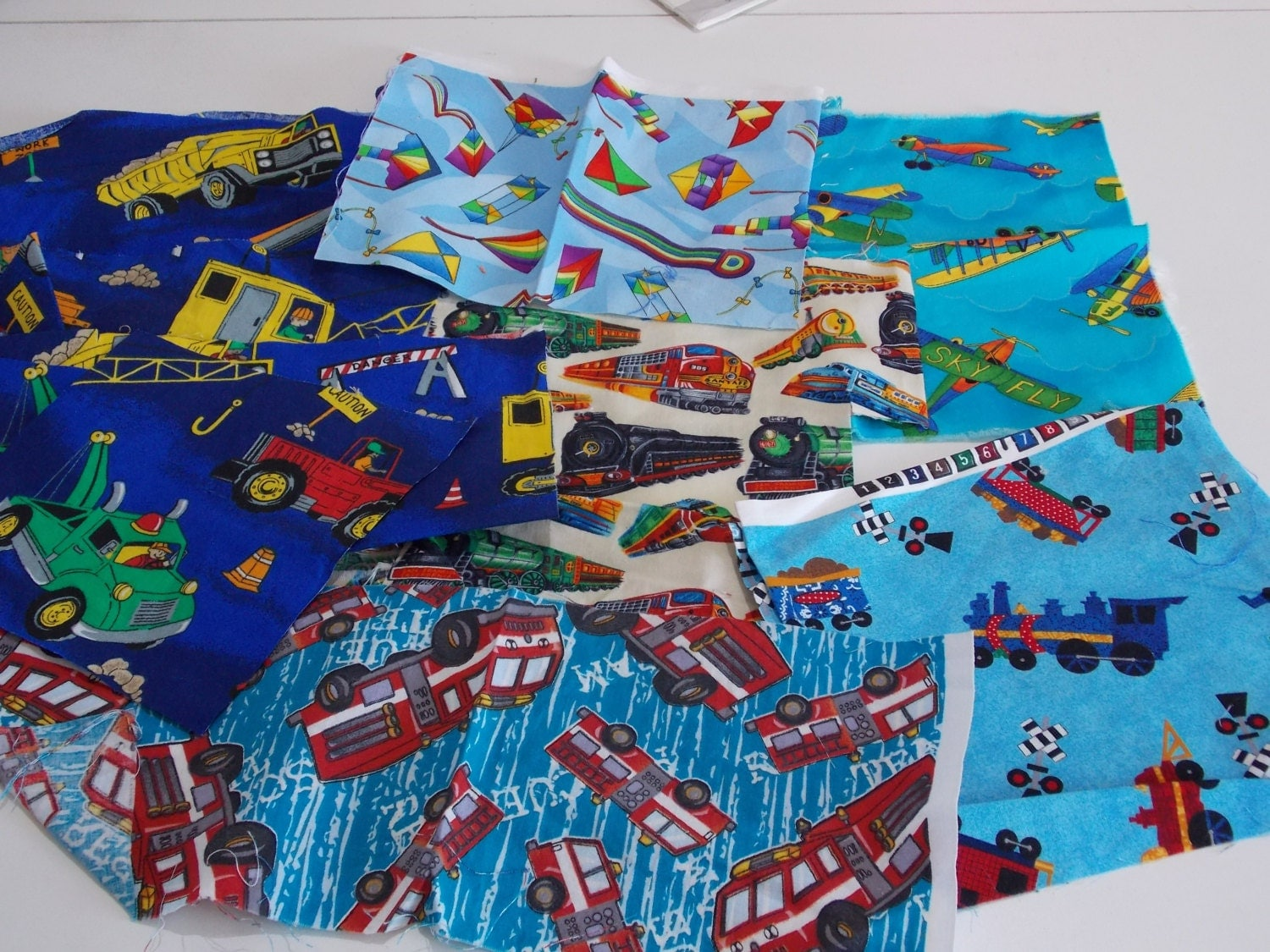 Boys fabric quilting destash bundle i spy quilt scraps for Boy quilt fabric
