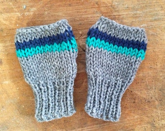 Gray stripe child fingerless mittens