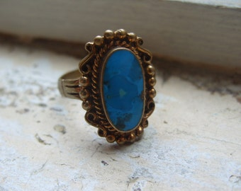 FREE SHIPPING Vintage Brass Ring with Turquoise Center Accent - Size 11 1/2