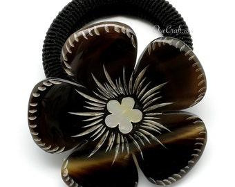 Horn & Shell Ponytail Holder - Q10716