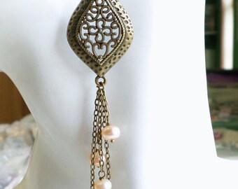 Chandelier Earrings Aged Brass Long Earrings Peach Freshwater Pearl Earrings Pearl Earrings Vintage Style Long Earrings Boho Chic Yoga Style