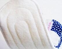 "8"" Non-Waterproof Organic Bamboo Fleece Wingless Panty Liner - Elephants Blue & White"