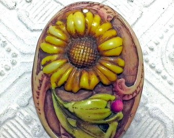 Artisan Floral Sunflower Daisy Oval Pendant Vintage Style Spring Summer Colors