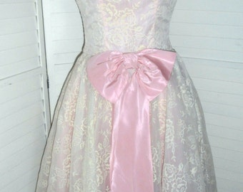 Vintage Party Dress Pretty in Pink New Look 1950s Vintage Pink Dress w Flocking 34 Bust New Look Party Prom Bridesmaid Dress