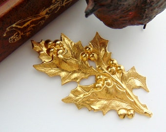 BRASS * Spray Holly Berries and Leaves Stamping ~ Jewelry Ornament Findings ~ Brass Stamping (FB-6104)