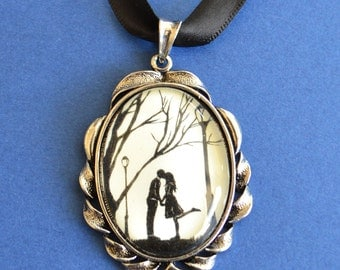 AUTUMN KISS Choker Necklace - pendant on ribbon - Silhouette Jewelry // Sale 15% Off