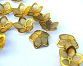 10 Flower beads, gold color metal. vintage, 15mm, UNIQUE RARE
