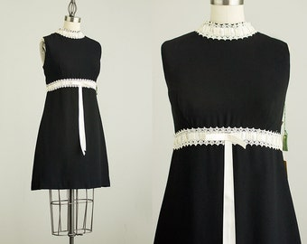 60s Vintage Black And White Lace Shift Mini Dress / New Unworn Vintage Deadstock / Size Small