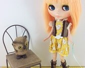 Antique Yellow Elephants, Cute Romper for Blythe, Licca, Dal, Pullip ,Neemo S and Other Similar Sized Dolls
