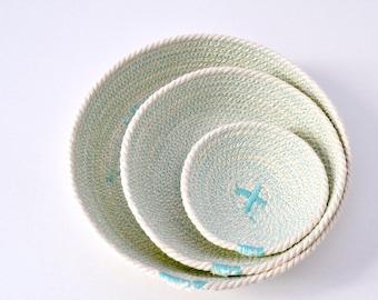 BLACK FRIDAYBLACK FRIDAYSet of three cotton cord plates in aqua