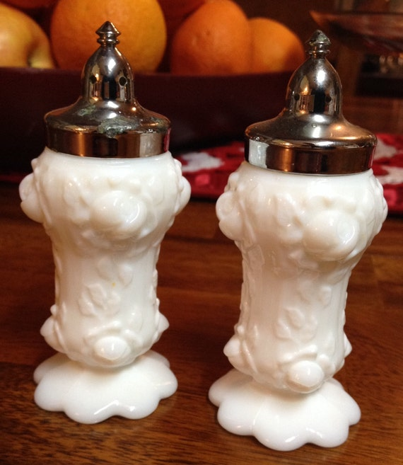 Vintage Fenton Rose Bud - Milk Glass Salt & Pepper Shakers!