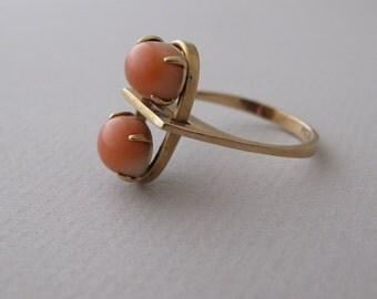14k Gold Modernist Ring prong set coral cabochon modernist vintage jewelry danish