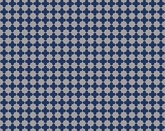 Mini Quatrefoil in Gray/Navy (C345-17)