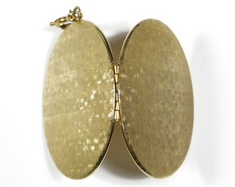 Vintage Basketweave Locket 47x38mm Oval Gold Tone Metal