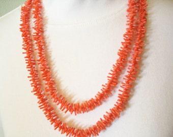 Vintage 50s Coral Plastic Necklace Long Branch Coral Summer Fun