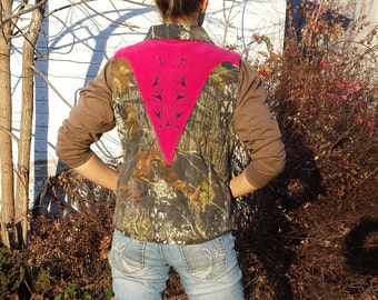 Cowgirl Camo Vest ~Lazy Mare Homegrown Original~ camoflauge & pink - horse applique Womens Medium quilted winter vest