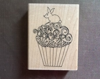 Impression Obsession Bunny Cupcake D2428