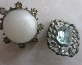 Vintage  Buttons -  shabby chic, unique buttons, metal with rhinestones and faux pearl, very old (lot no apr 386.)