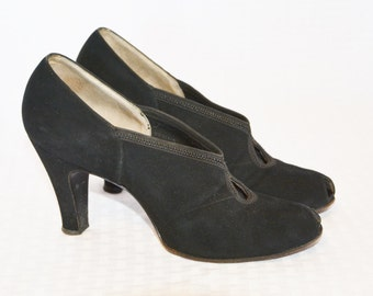 1930s Vintage Black Suede High Heel Pumps Shoes with Open Toes By I. Miller Size 5 AAA