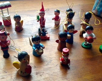 Vintage Christmas Wooden Figurines Ornaments (28)