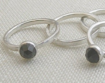 Single Stone Sterling Stackable Ring 12 gauge Hammered with Black Faceted Spinel Stone, Size 7