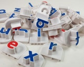 Supply 30 letters different colors red blue