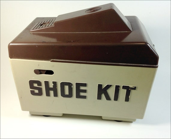 sale shoe kit plastic shoe shine box 60s retro by vintagererun. Black Bedroom Furniture Sets. Home Design Ideas