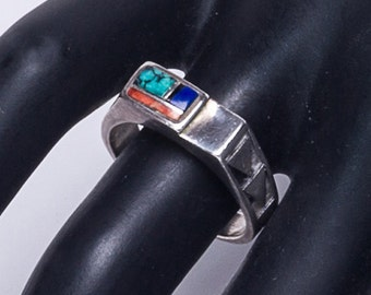 Turquoise Raised Inlay Navajo Ring - Solid Cast Band  - Teme' Sterling - sz 8 1/2