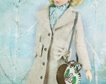 jiajiadoll cream bowknots long coat -for momoko or misaki or Blythe or Azone