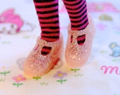 Blythe Subtle Pink with Glitter T-Strap Mary Jane shoes