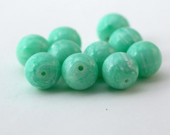 Vintage Green White Marbled Round Lucite Beads 14mm (10)