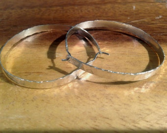 silver hoop earrings delicate  hoop hammered Circle earrings Sterling silver hoops