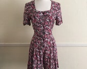 90s RAMPAGE Ditsy floral, liberty, calico print, shorts, jumper, romper, onesie, playsuit. Size Small