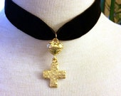 Reserved Luxe  house 50% OFF Brown Velvet Choker Necklace with Gold tone Heart Cross Dangle