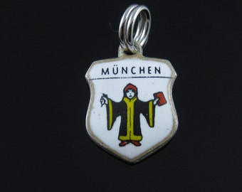 Vintage 800 Silver Munchen Travel Shield Coat of Arms Charm