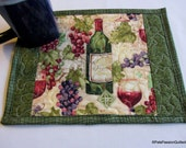 Wine Grapes Quilted Mini Place, Mat Mug, Snack Mat Green Cream Red Set of 2