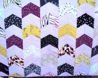 Clearance!! Twin sized quilt for a girl