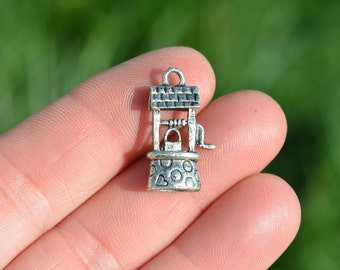1  Silver Wishing Well Charm SC2004