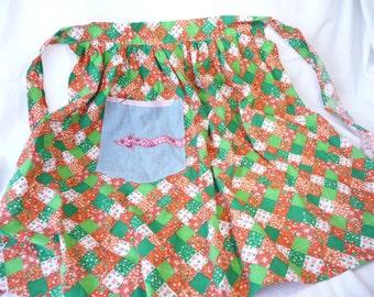 Vintage Apron, Vintage Half Apron, Vintage Handmade Apron, Patchwork Print Apron, Large Pocket, Kitchen, Red Green White, Cotton Apron, Cute