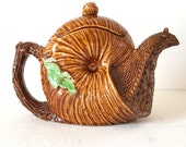 SNaiL TeaPoT . Made in Japan . Mid Century .  Exquisite Whimsical Treasure